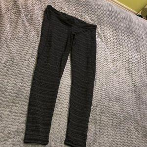 Black and thin line white leggings!!